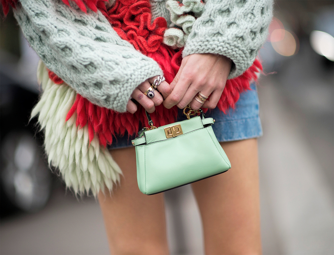 Mini bag and 5 reason why you should buy one right now