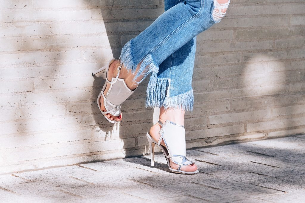 How to wear the fringe jeans that everyone wants right now
