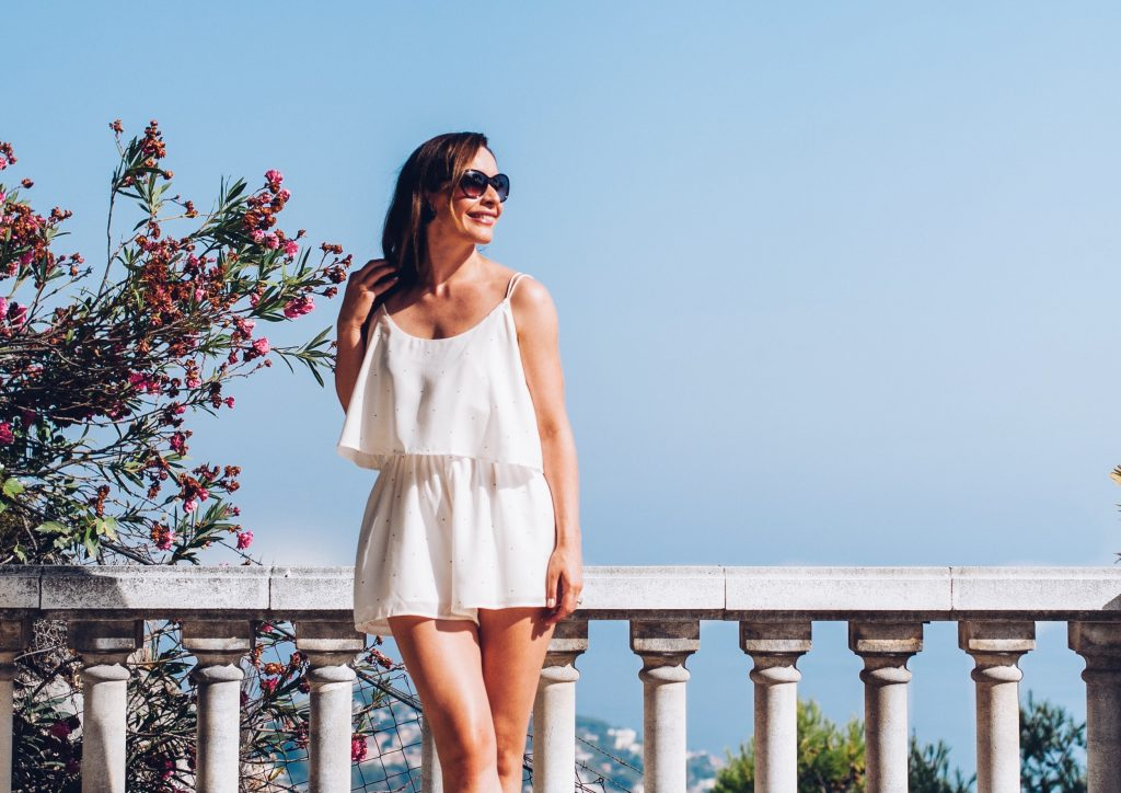 This white romper by The Fifth Label is the perfect solution for the hot weather