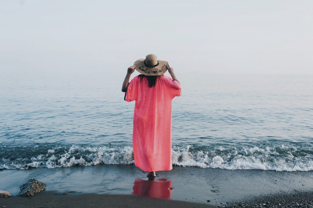 Yes, you can wear kimono on the beach and this one by Pitusa is ideal