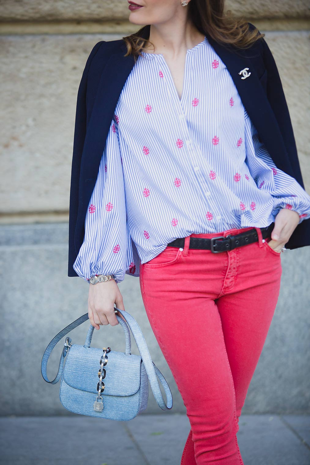 Chic Journal blogger wearing Sandro red jeans
