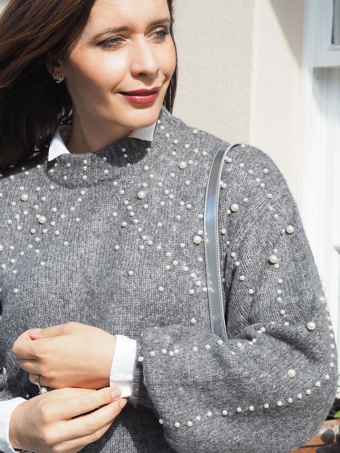 grey sweater with pearls autumn trend