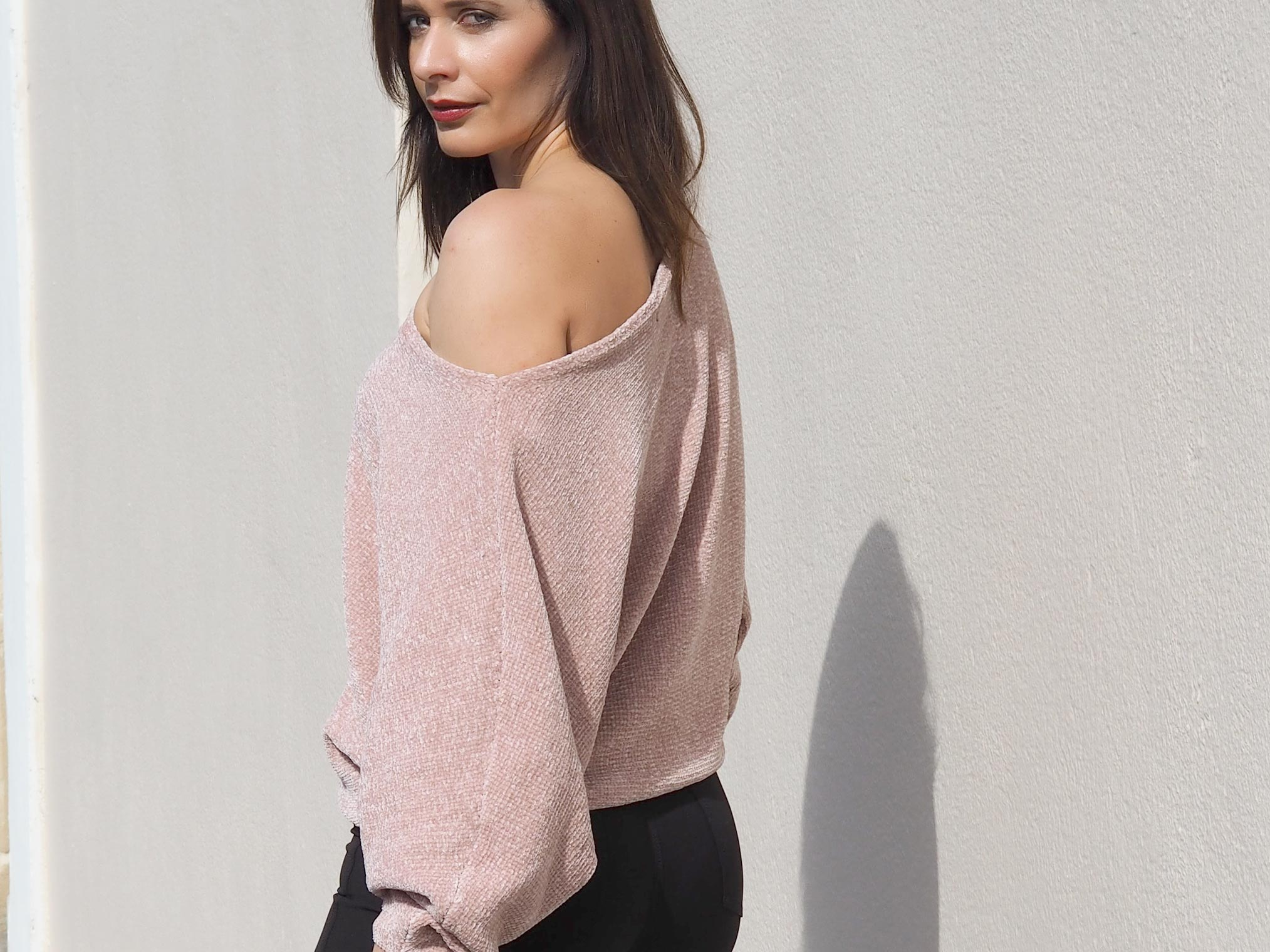 Zara pink sweater off the shoulder autumn trend