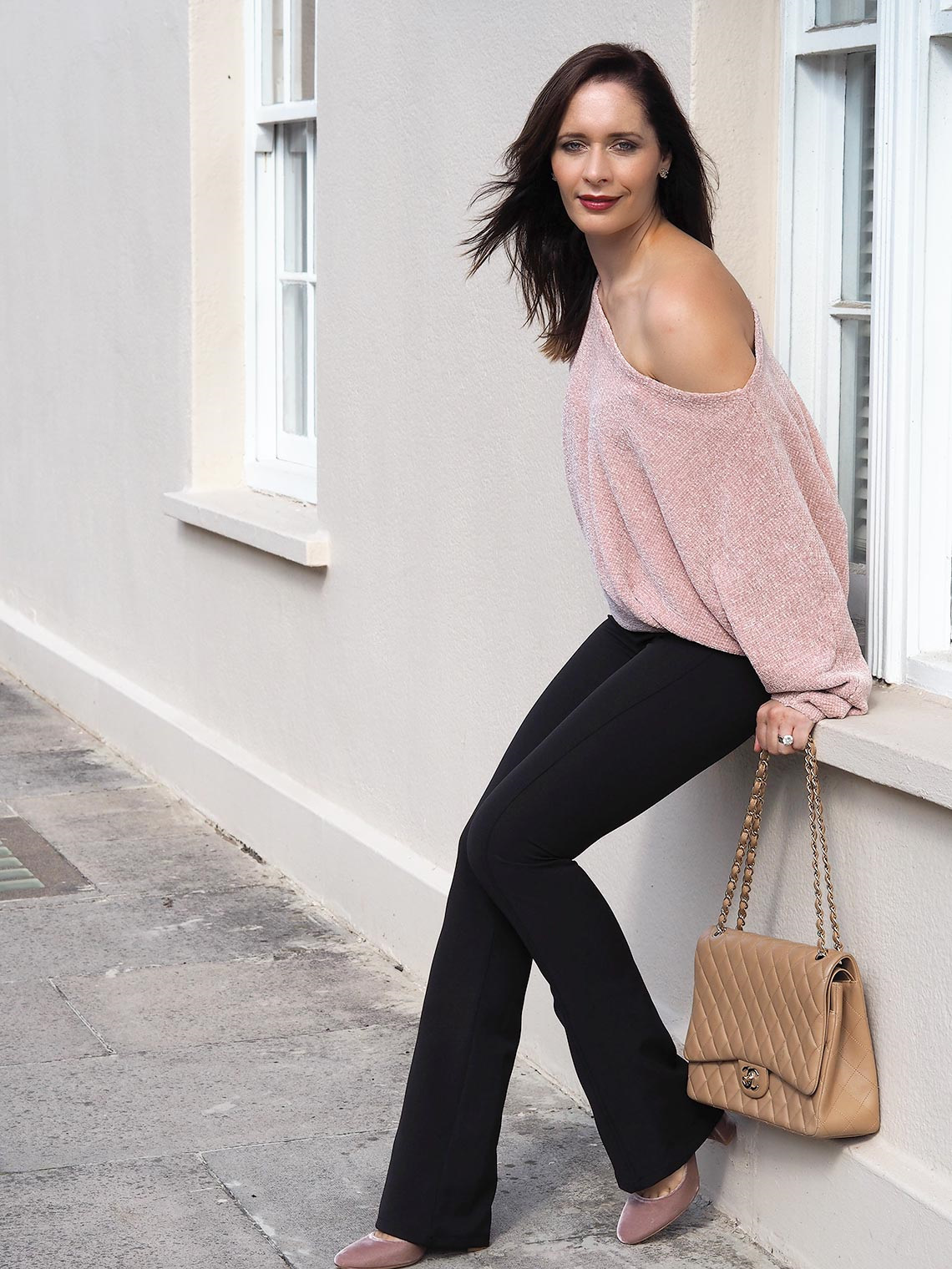 Chic Journal Petra wears off the shoulder trend sweater