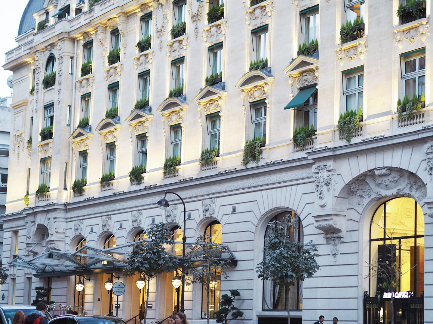 The Peninsula Paris. Luxurious 5* hotel in the heart of the French capital