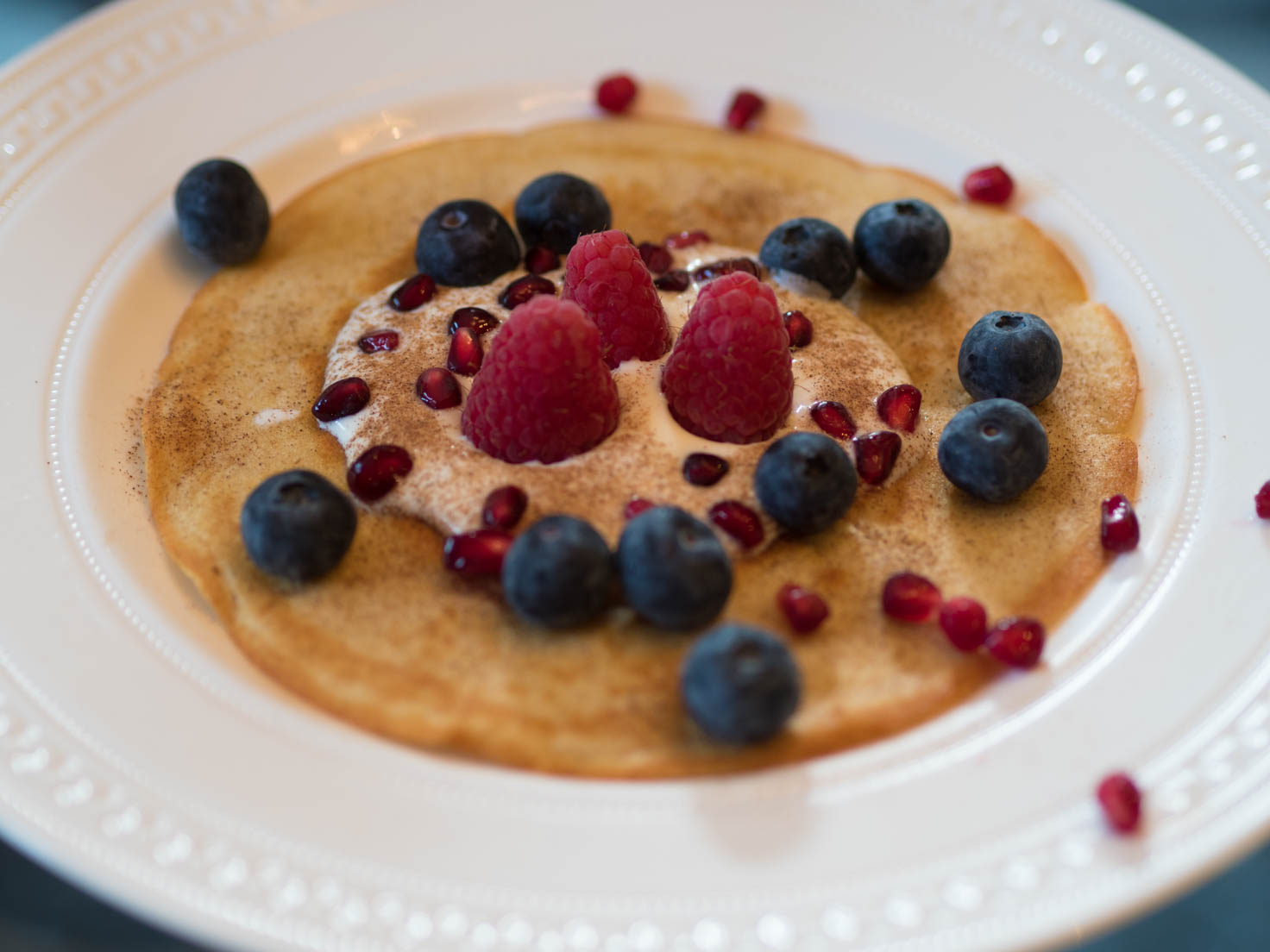 Buckwheat pancakes with lactose free yogurt and berries