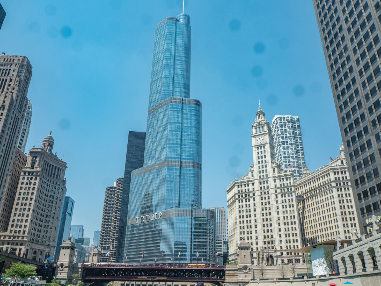 Architecture river tour and 3 must see things in Chicago by Chic Journal blog