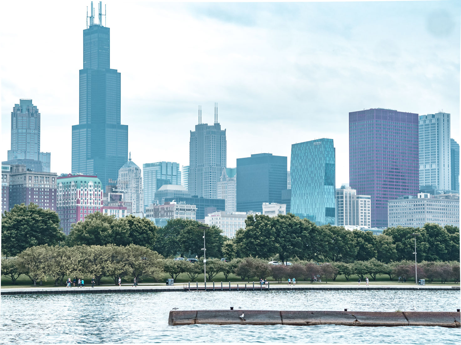 Chicago skyline and city mini guide by Chic Journal blog