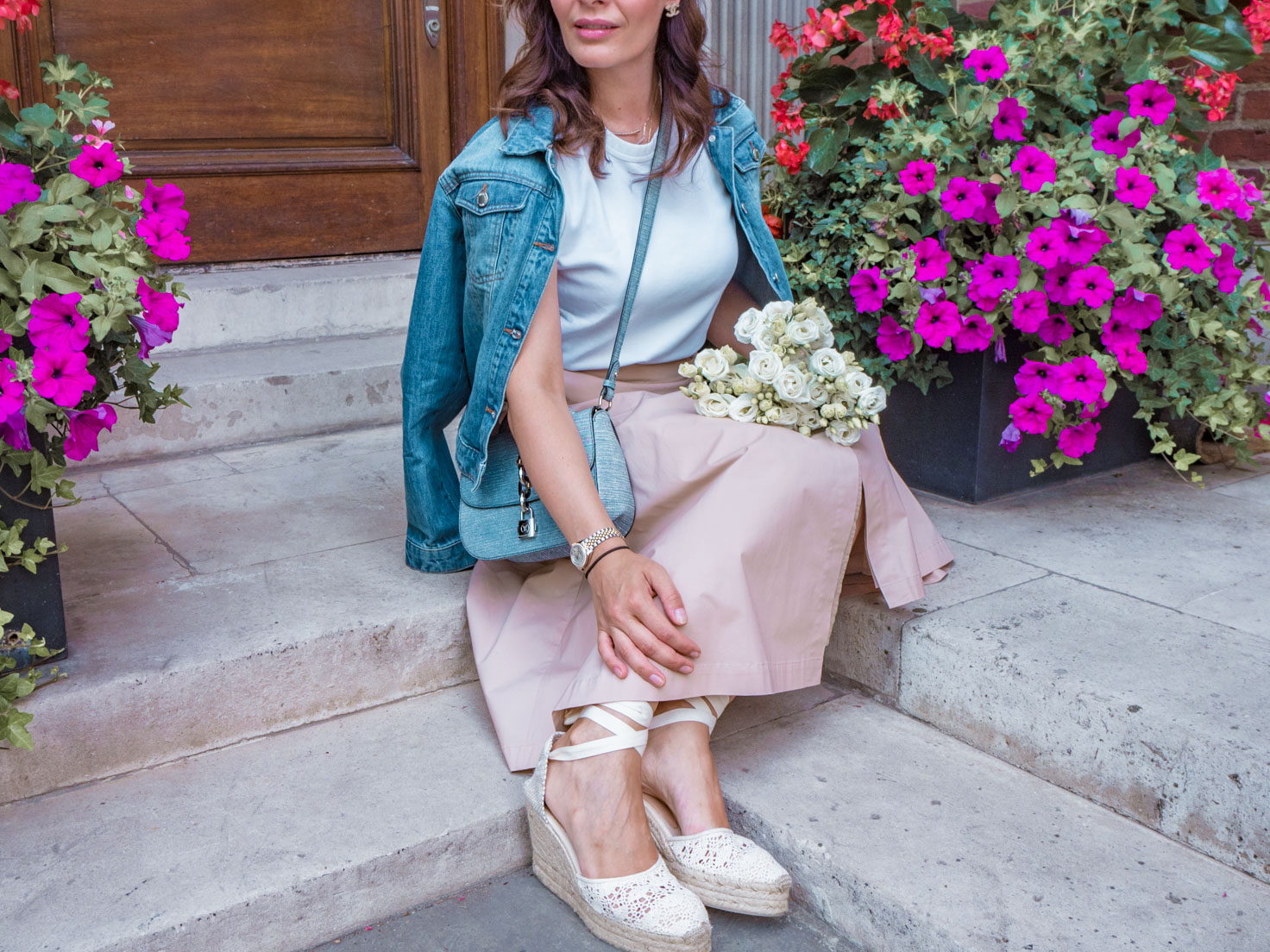 Looking chic every day with neutral colours