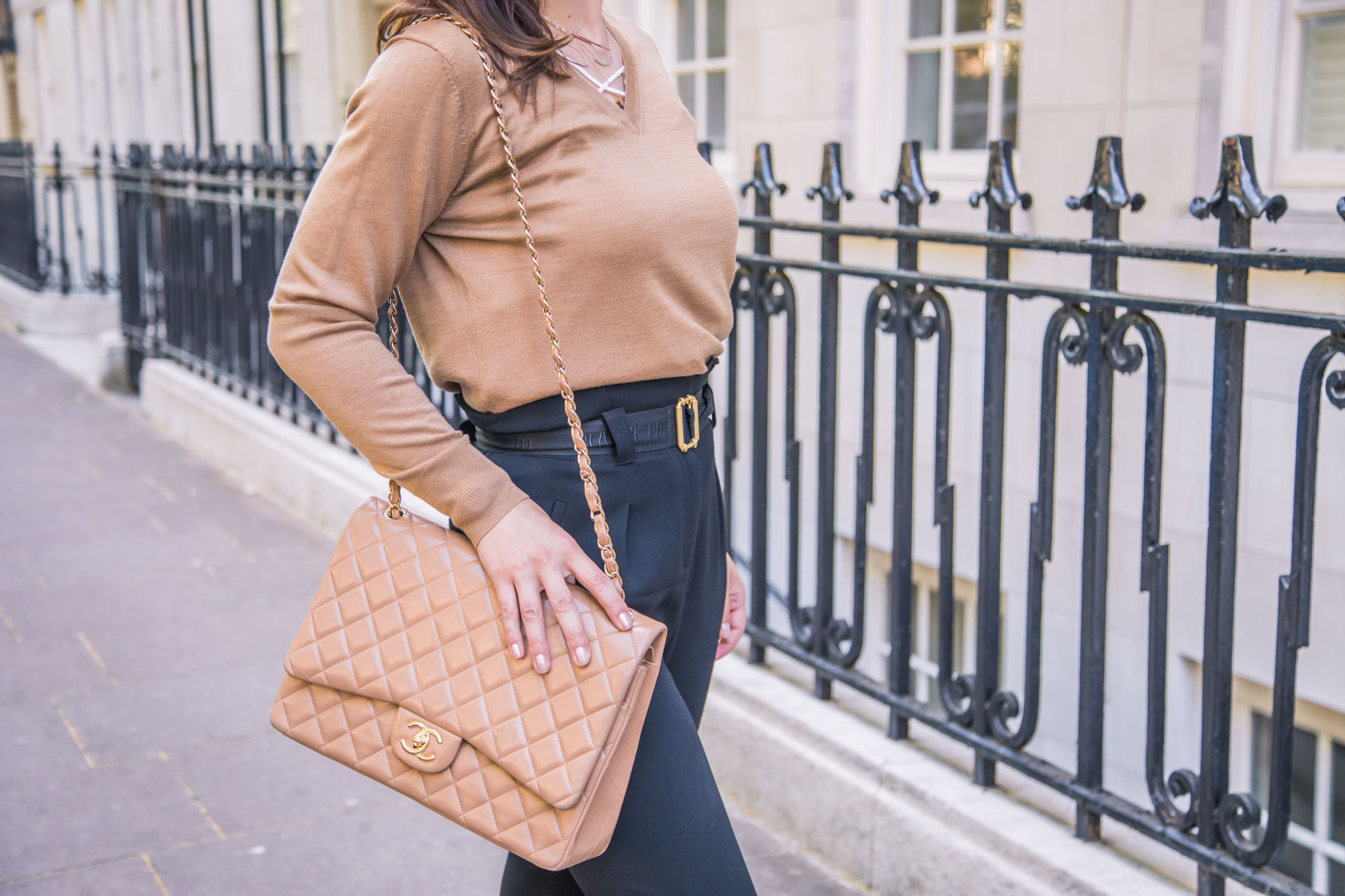 How to style paperbag trousers casually by Chic Journal blog