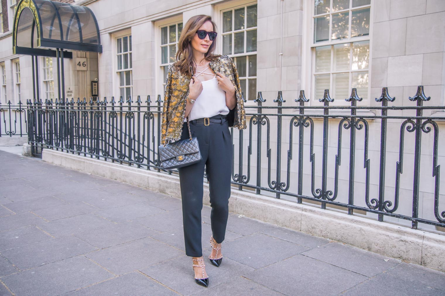 What to wear with high waisted trousers by ChicJournal