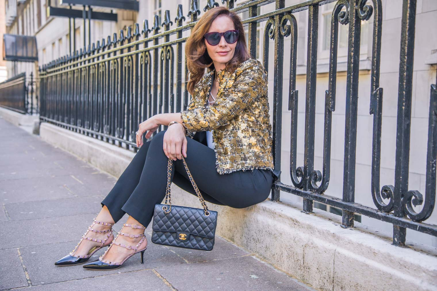 How to style high waist trousers in the night