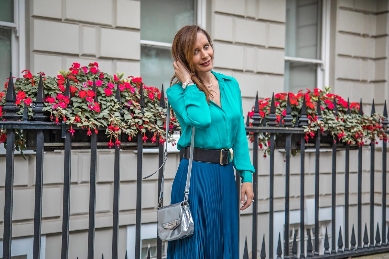 How to style pleated skirt in the fall
