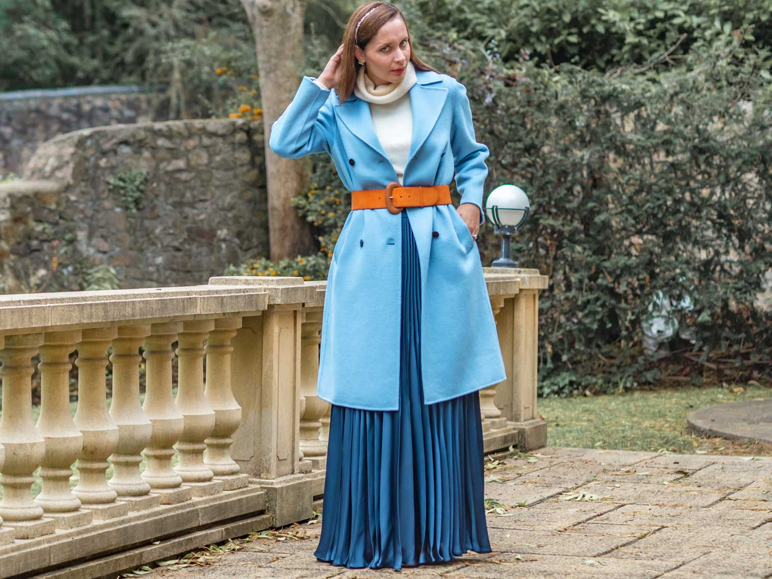 How to style pleated maxi skirt in winter