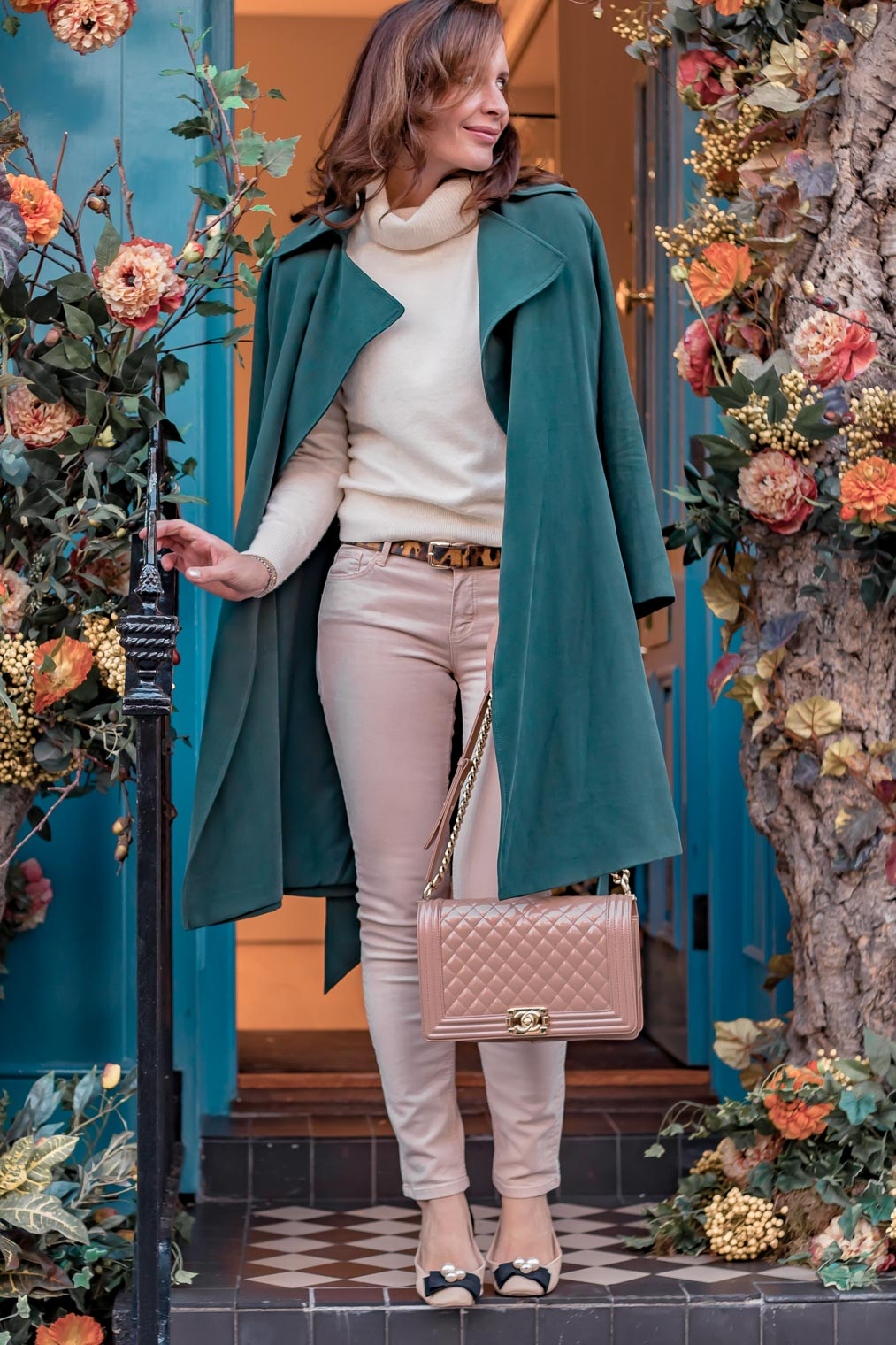 How to wear duster coat Club MOnaco coat Chanel Boy bag patent leather