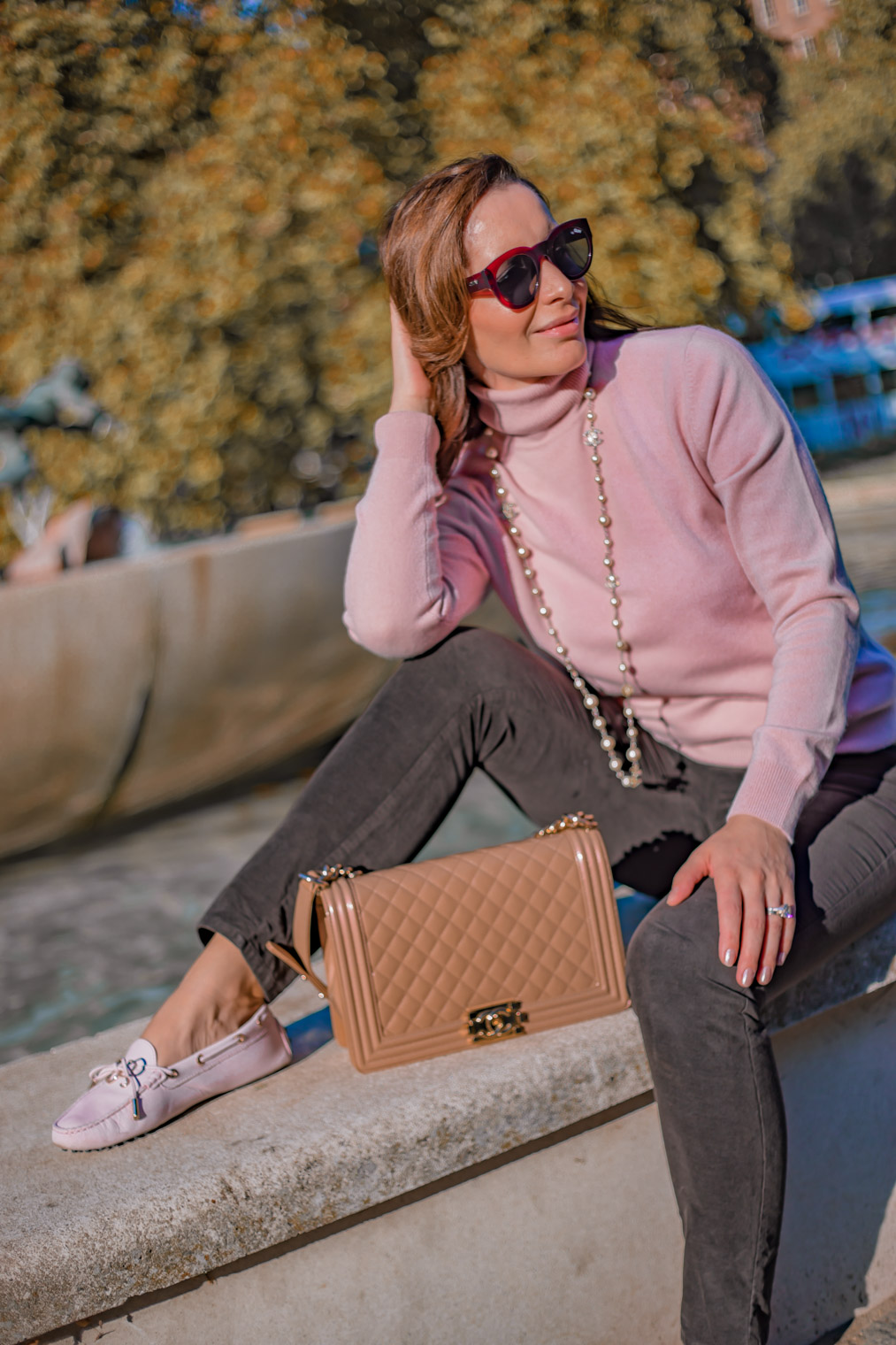 Repeat Cahmere jumper pink Chanel bag fall outfit