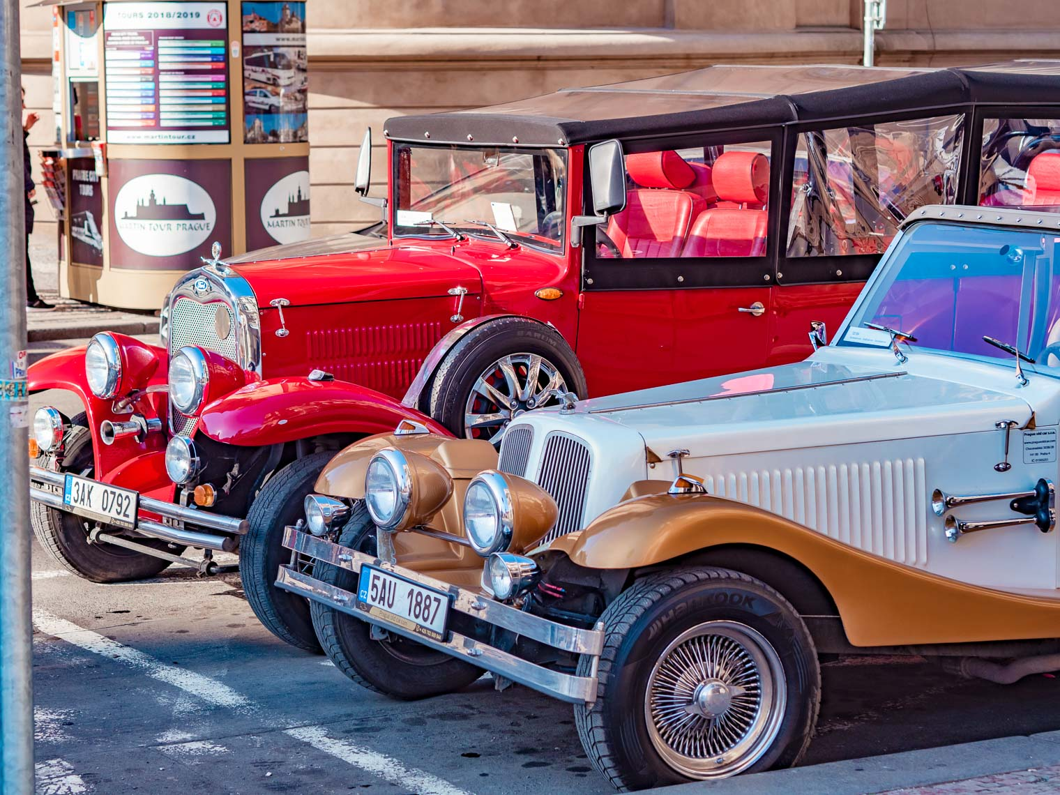 Prague sightseeing in historical cars