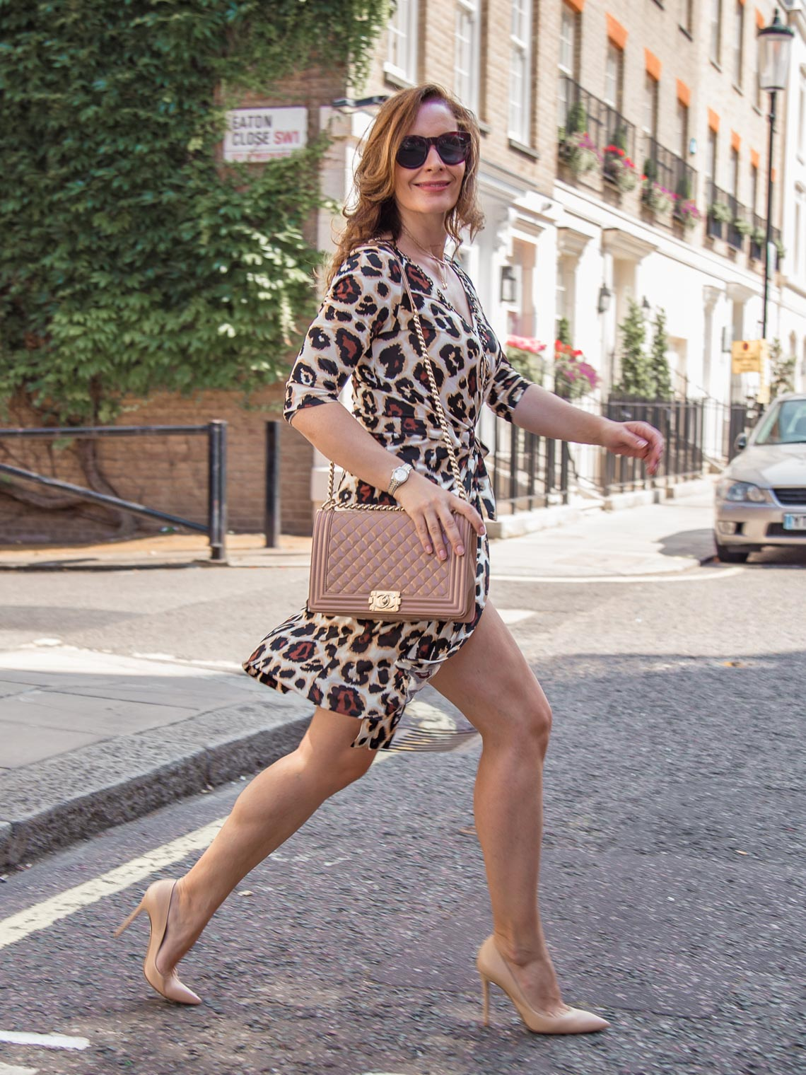 Beige pumps Gianvito Rossi Chanel Boy bag animal print dress