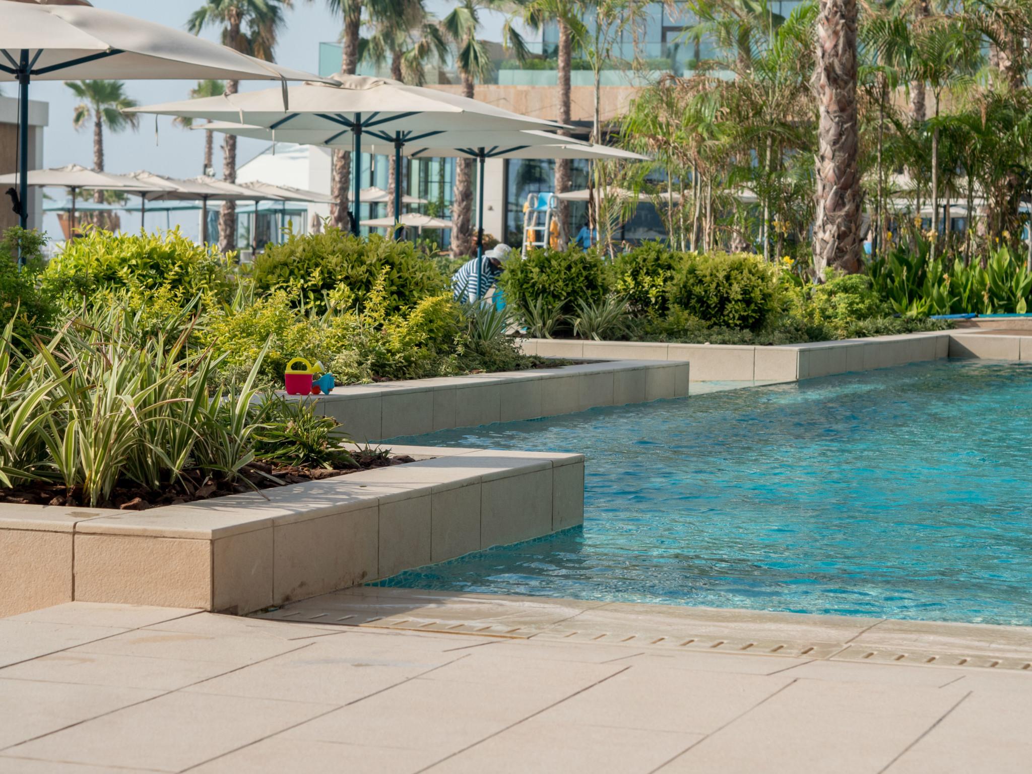 Mandarin Oriental Dubai swimming pool area