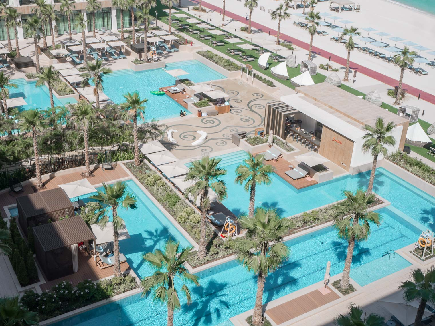 Mandarin Oriental Jumeira Dubai swimming pool