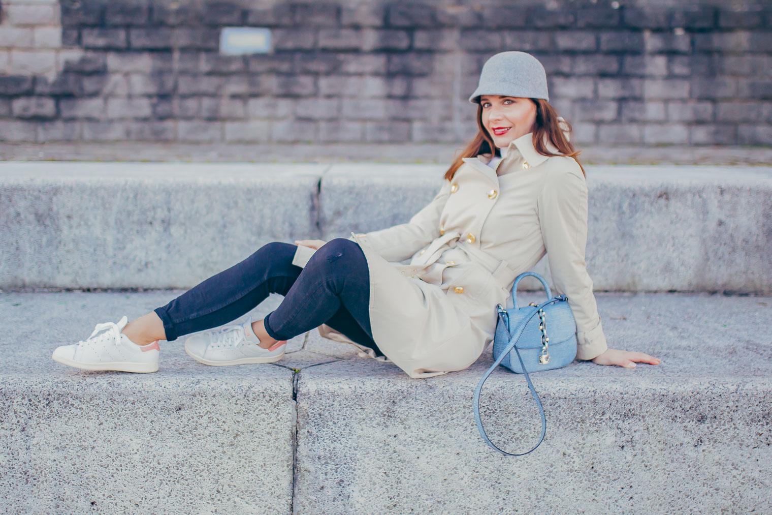 Classic trench coat Michael Kors, Adidas Originals and Louis Vuitton Chain It bag